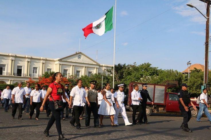 Ayuntamiento de Tehuantepec conmemora el CLV aniversario de la Batalla de Puebla