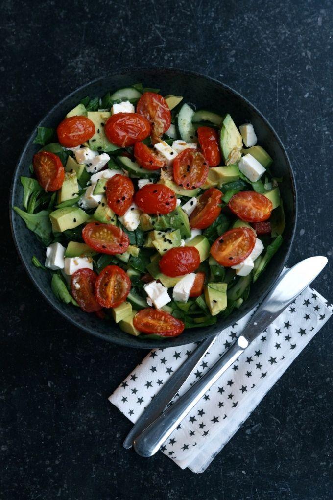 Salat med hvidløgsbagte cherrytomater, vanvittig god!!!
