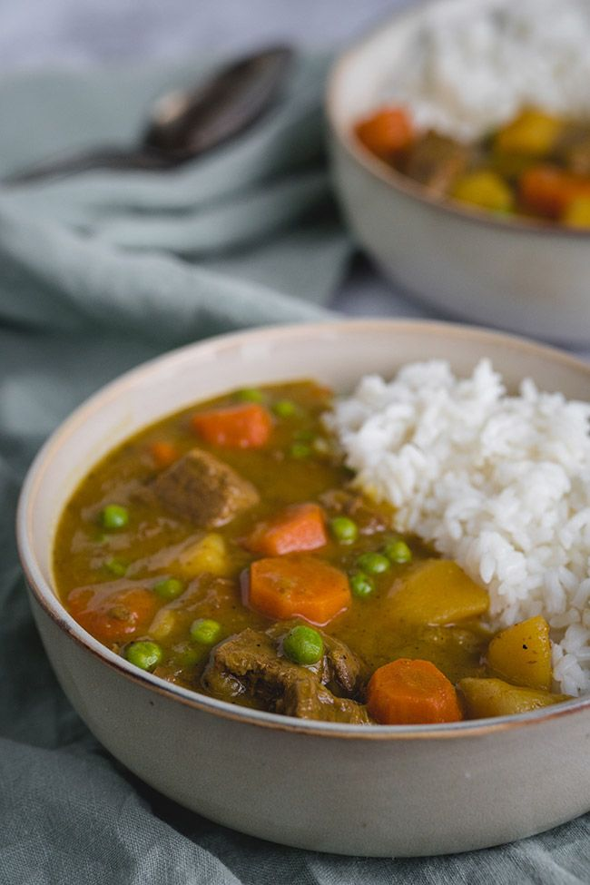 Slow Cooker Japanese Beef Curry 15 Minute Prep Recipe In 2020 Beef Curry Japanese Beef Slow Cooker