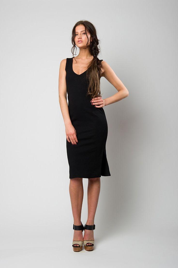 Black sleeveless ribbed dress with V neck line