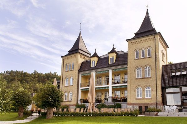 """Refsnes Manor (Refsnes Gods) is a hotel near the town of Moss, Norway, on the island of Jeløy. According to Frommer's travel guide, it is """"the most elegant resort in the environs of Oslo."""" The building was originally constructed in 1767 as a pleasure pavilion. It contains a notable art collection."""