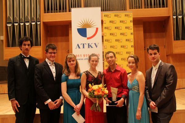 Anna won the Strings Category Prize at the ATKV Muziq Competition and performed in the final round gala concert. October 2012