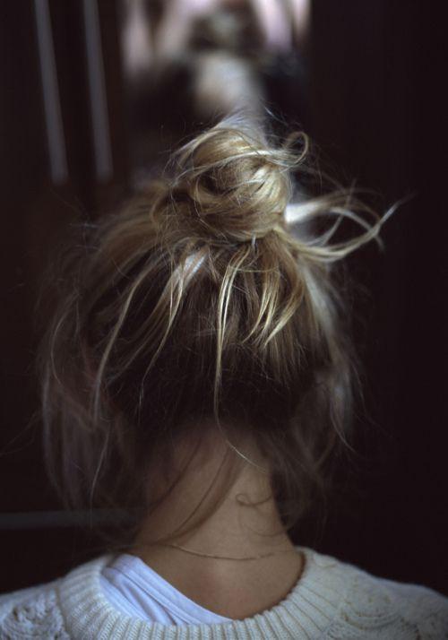Undone: Purple Hair, Color Hairs, Tops Knots, Messy Hairs, Hairs Styles, Hairs Color, Messy Buns, Pink Hairs, Hairs Looks