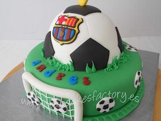 "Cupcakes Factory... ""El Blog"": TARTA FUTBOL PARA ANDRES"