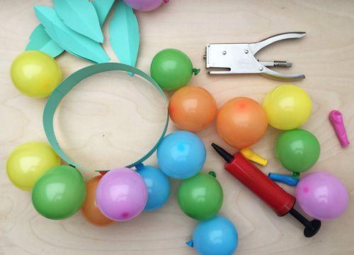 Andrea von We like Mondays zeigt heute, wie man schnell und schön eine Geburtstagskrone fürs Kind basteln kann. Das ist nämlich Tradition bei ihr zuhause, das man so eine am Ehrentag trägt! | Ohhh… Mhhh…