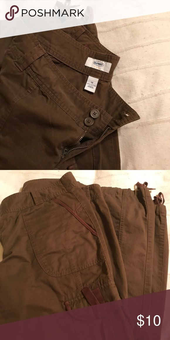 Old navy cargo pants Gently used cargo pants Old Navy Pants Trousers