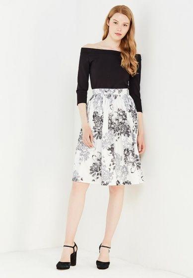 Приталенный силуэт, пышная расклешенная юбка, цветочный принт, открытые плечи.