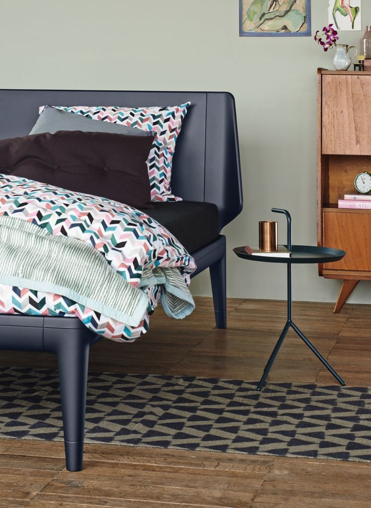 auping designbett essential in carbon black bett designbett gestellbett huis pinterest. Black Bedroom Furniture Sets. Home Design Ideas