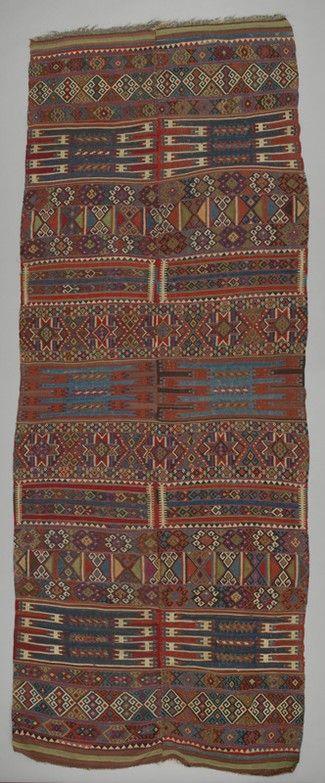 rug kilim Turkey DATE: 1880 - 1900 DIMENSIONS: L 420 cm x W 163 cm