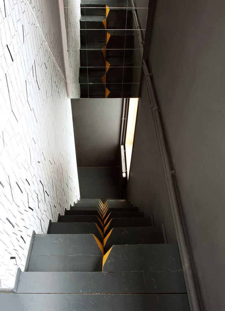 Low Budget House | Le Atelier | Moscow, Russia | 2013 | Black | Orange | Alternating Stair