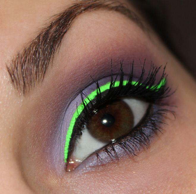 Stargazer Neon Eyeliner Neongrün http://www.talasia.de/2015/01/08/eyes-stargazer-neon-liquid-eyeliner-neon-grn/