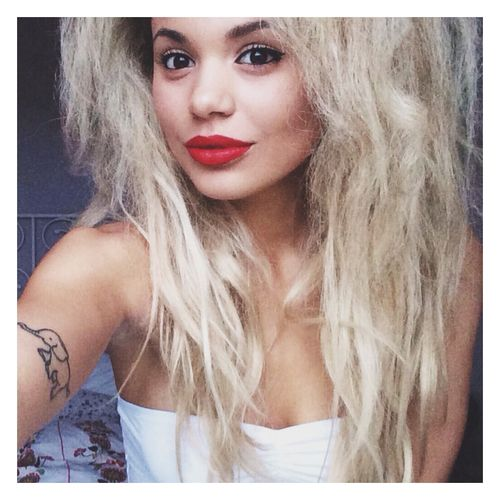 Jess Plummer from Neon Jungle. can i be pretty like she is?