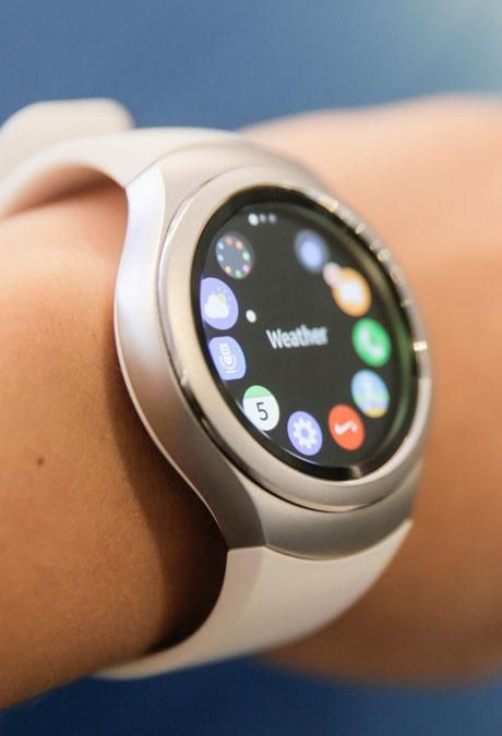The Samsung Gear S2 side view
