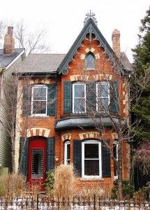 In Cabbagetown, the most prevalent architectural style is the Bay and Gable, a variation of the Victorian home.   These homes were initially designed for narrow downtown lots and can be identified by the following features: