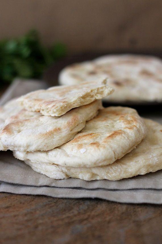 Tinkas Welt: Ein Curry aus Spinat, Süßkartoffel und Kichererbsen mit Naan-Brot