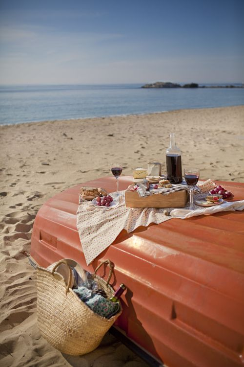 Love picnic on the beach especially on a sunny day #perfectpicnic #joules