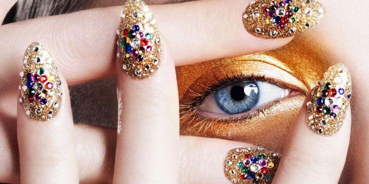 Wanneer je een manicure laat doen, is het altijd weer denken hoe je je nagels laat vijlen. Ga eens voor de puntige nagels, they are awesome!
