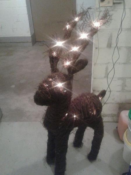 Weihnachtselch mit Beleuchtung 105cm groß