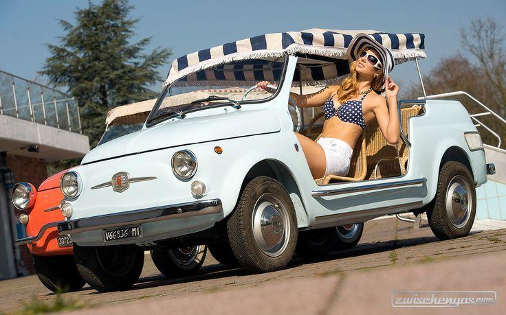 Legendäre Fiat Jollys und schöne Mädels Unsere Bildersammlung zu Frauen & Autos: https://www.zwischengas.com/de/bildermagie/frauen?utm_content=bufferb80a7&utm_medium=social&utm_source=pinterest.com&utm_campaign=buffer Foto © Rainer Schimm/ Messe Essen