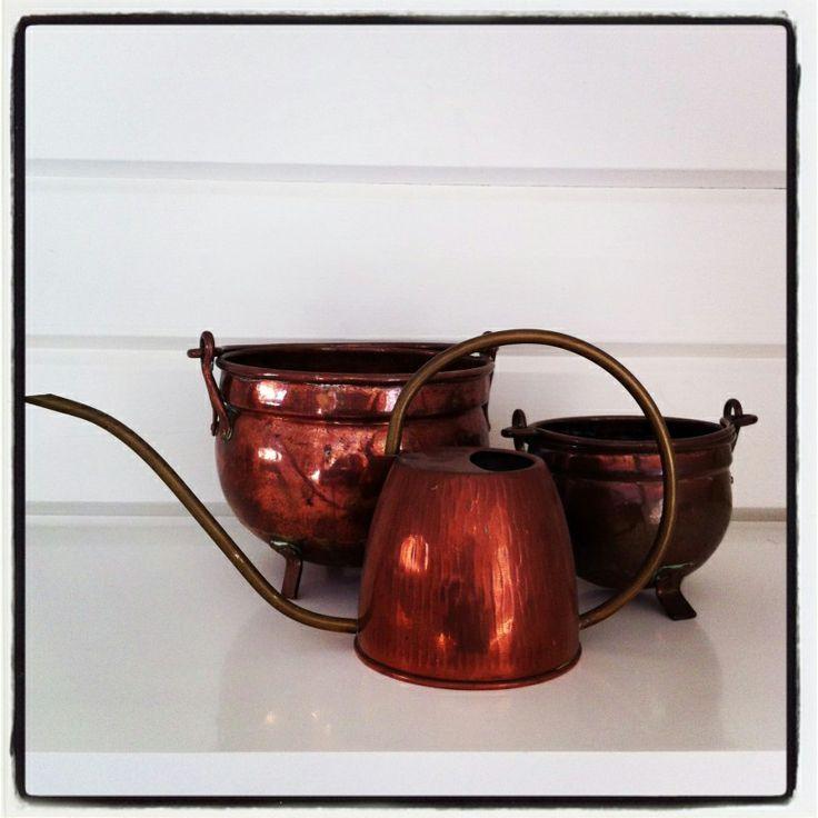 Koperen #potten en #kannen. Vintage #koper met een mooie #rode gloed.