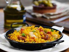 Spanische Reispfanne mit Hähnchen (Paella) ist ein Rezept mit frischen Zutaten aus der Kategorie Reis. Probieren Sie dieses und weitere Rezepte von EAT SMARTER!