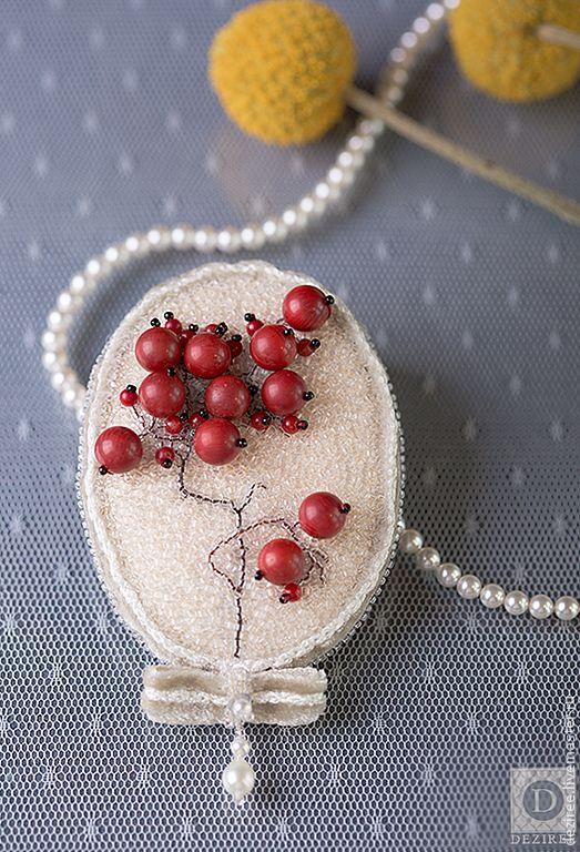 0b725764973--ukrasheniya-brosh-redberries-n6670.jpg 523×768 пикс