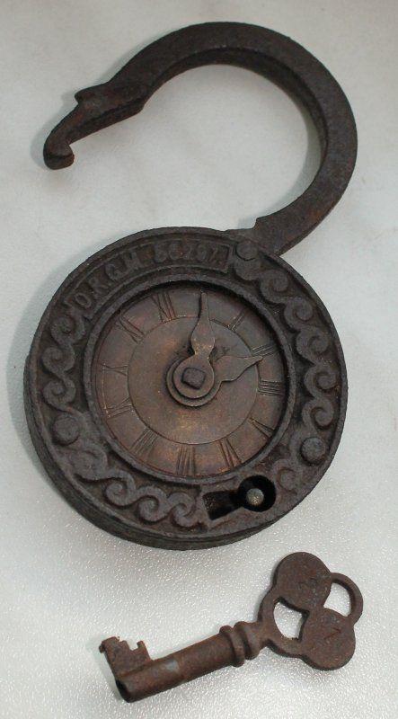 Altes seltenes Vorhängeschloss mit Zeit-/Zahlenschloss und Schlüssel / D.R.G.M.56297