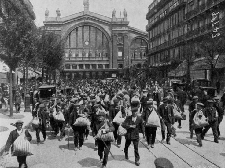 August, 1914. Reservists at the Gare de l'Est, Paris. William and Harry go looking for Louisa in the scenes of mayhem at Gare de L'Est at the end of 'Rutherford Park'