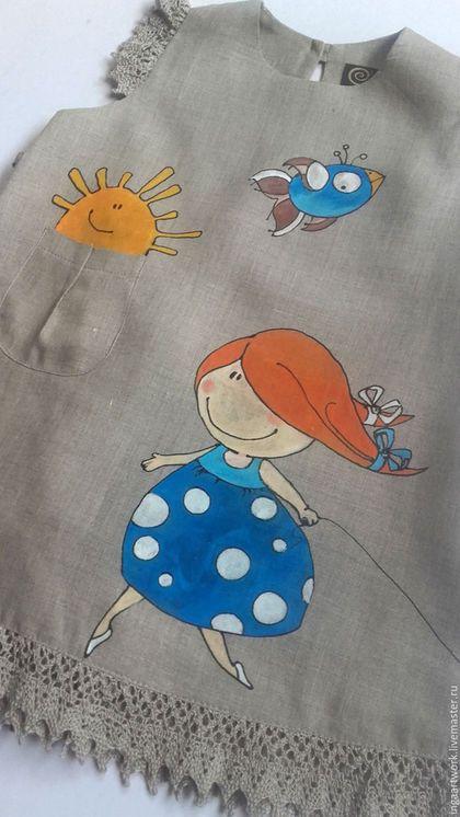 Купить или заказать Льняное детское платье.Ручная роспись. 'Прогулка...' в интернет-магазине на Ярмарке Мастеров. Льняное детское платье. Ручная роспись. Материал: натуральный лён. Рисунок выполнен высококачественными, не токсичными красками для льна, не стирается , не трескается, не боится влаги и перепадов температур.