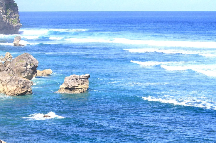Suluban is among renowned surfing beaches along the Bukit Peninsula at the southern end of Bali that include the Uluwatu Beach, Bingin Beach, Padang-padang Beach, Dreamland Beach, Impossible Beach and Balangan Beach.