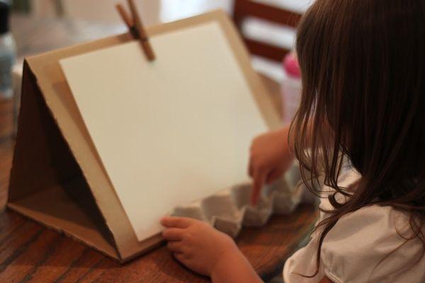 Atividades Educativas – Tela para desenhar reciclada!