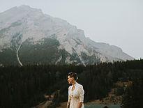 Banff bridal portraits, Alberta Vintage bridal,Unique Wedding Photos, Travel wedding, Natural Light Photography, Emotional Portraits, Small Wedding photographer, Alberta Weddings, Rocky Mountains | Heritage Park Studio