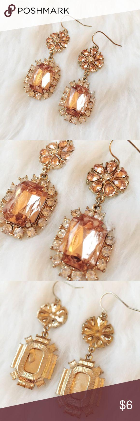 Forever21 Gold Diamond Dangle Earrings Beautiful gold dangle earrings  Worn one or twice.  Been cleaned. Forever 21 Jewelry Earrings