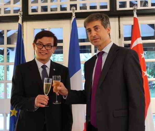 Robin Yap Awarded Gold Medal For Tourism From ATOUT France