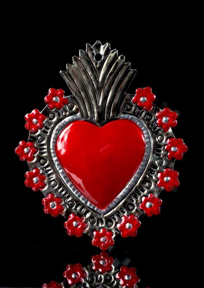 TIN RED HEART MILAGRO WITH FLOWERS CONTOUR HAND CHISELED THF