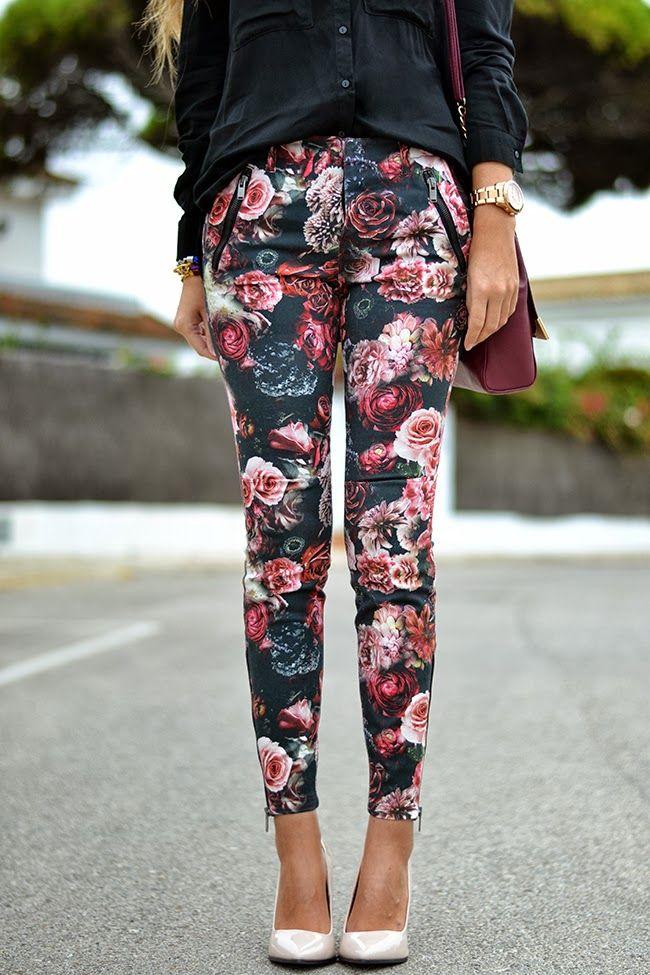 Jeans: Zara, Shirt: Bershka, Heels: Stradivarius, Necklace: Bershka, Bracelets: Baobab