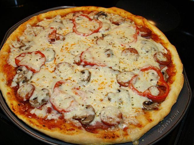 Rețetă Felul principal : Pizza ca la pizzerie de Gabrielacuisine