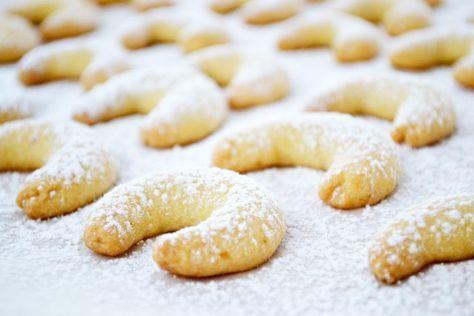 Perfekt für die Vorweihnachtszeit - das leckere Rezept für die süßen Vanillekipferl begeistert schon seit Generationen.