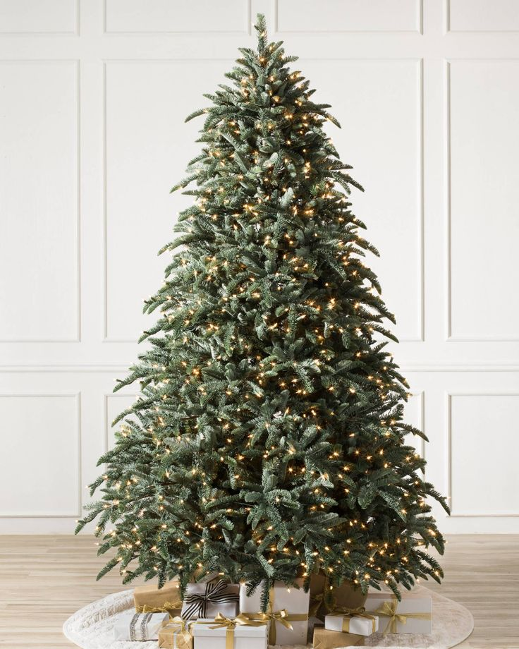 BH Noble Fir™ Realistic artificial christmas trees