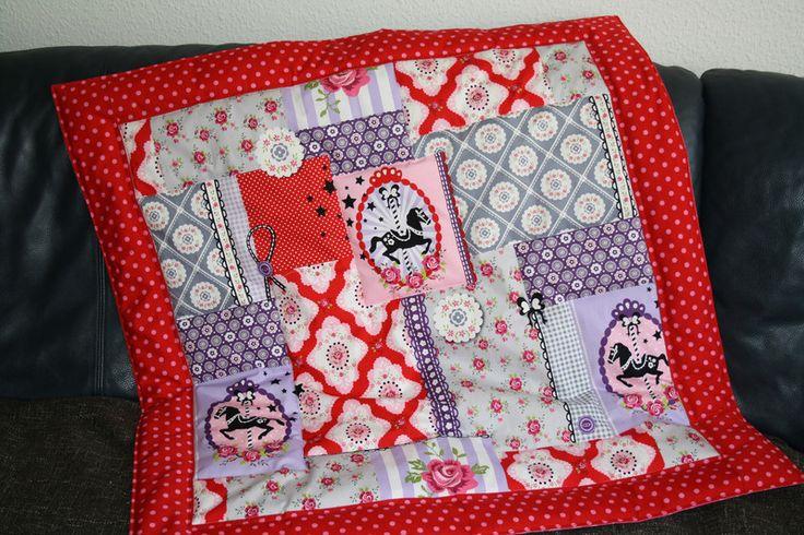 Babydecken - Krabbeldecke ♥ Karussell Pferde ♥ Patchwork Decke  - ein Designerstück von Naehwittchen bei DaWanda
