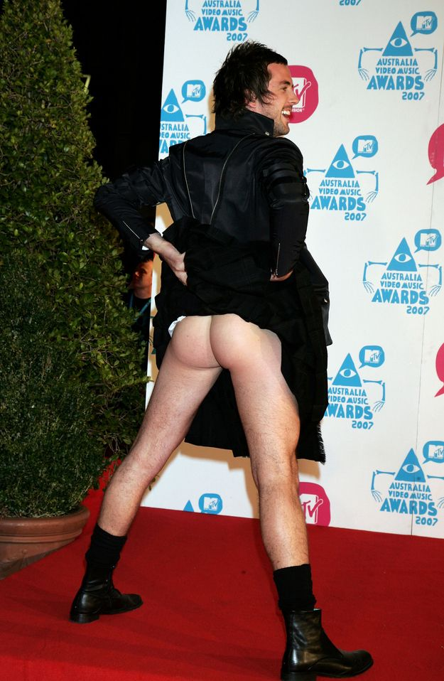 Darren McMullen - 2007 | 13 Times People Barely Wore Clothes To The VMAs #fashion