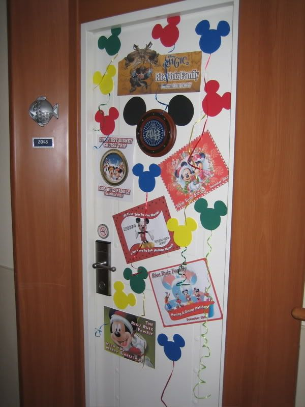 stateroom door decorations i like the mickey balloons more cruise door ...