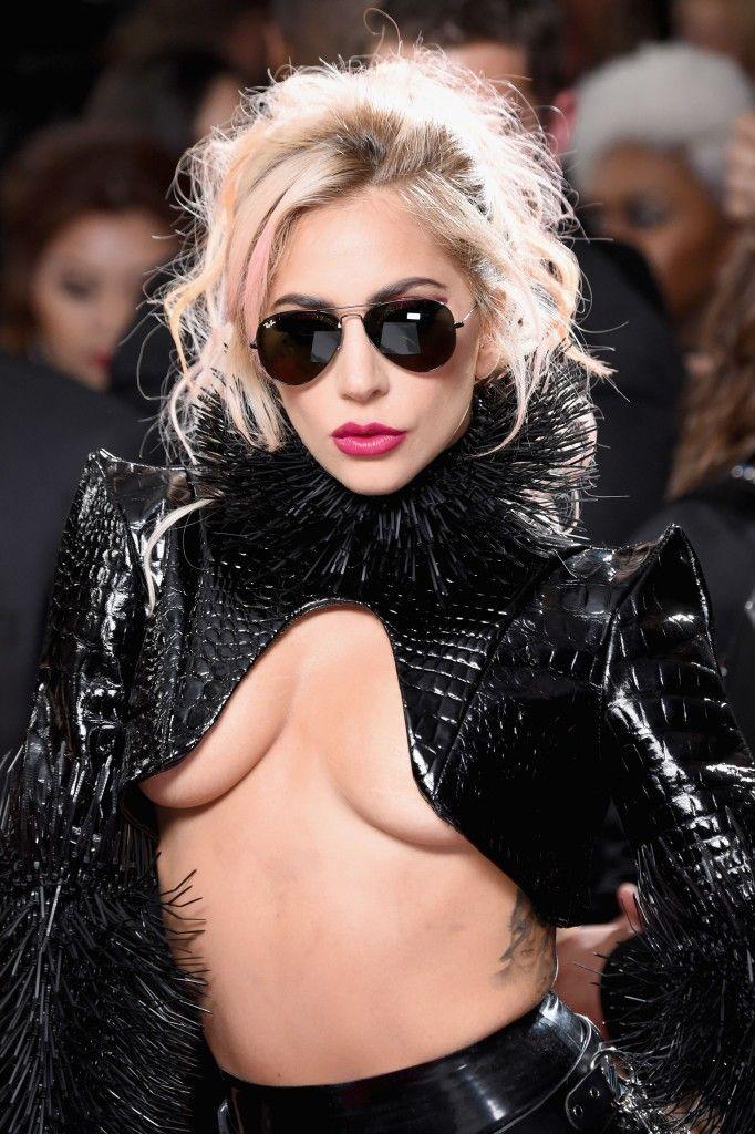 Lady Gaga Underboob (22 Pics)