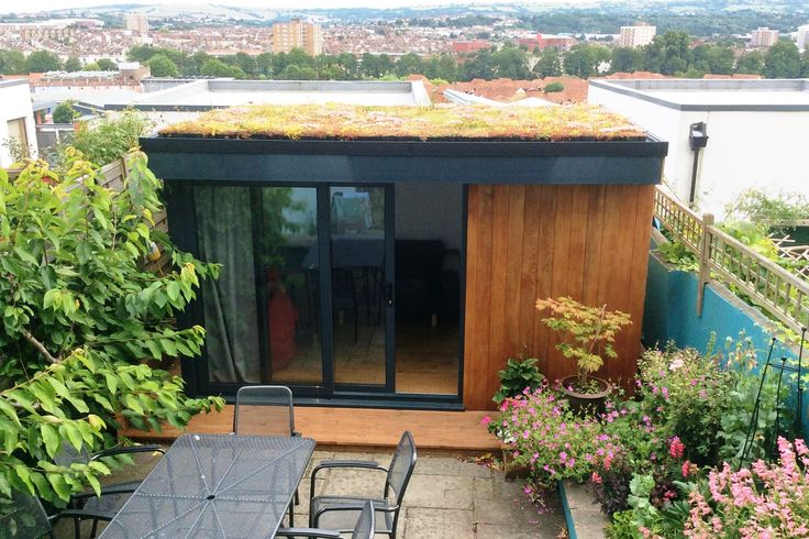 Garden room with living roof www.swiftorg.co.uk