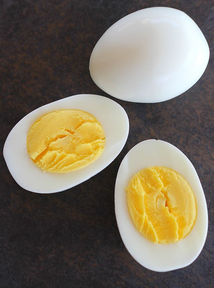 Making hard boiled eggs with a beautifully cooked yellow yolk is easy. Easier still is this method for easily peeling the shell off the perfect hard boiled egg.