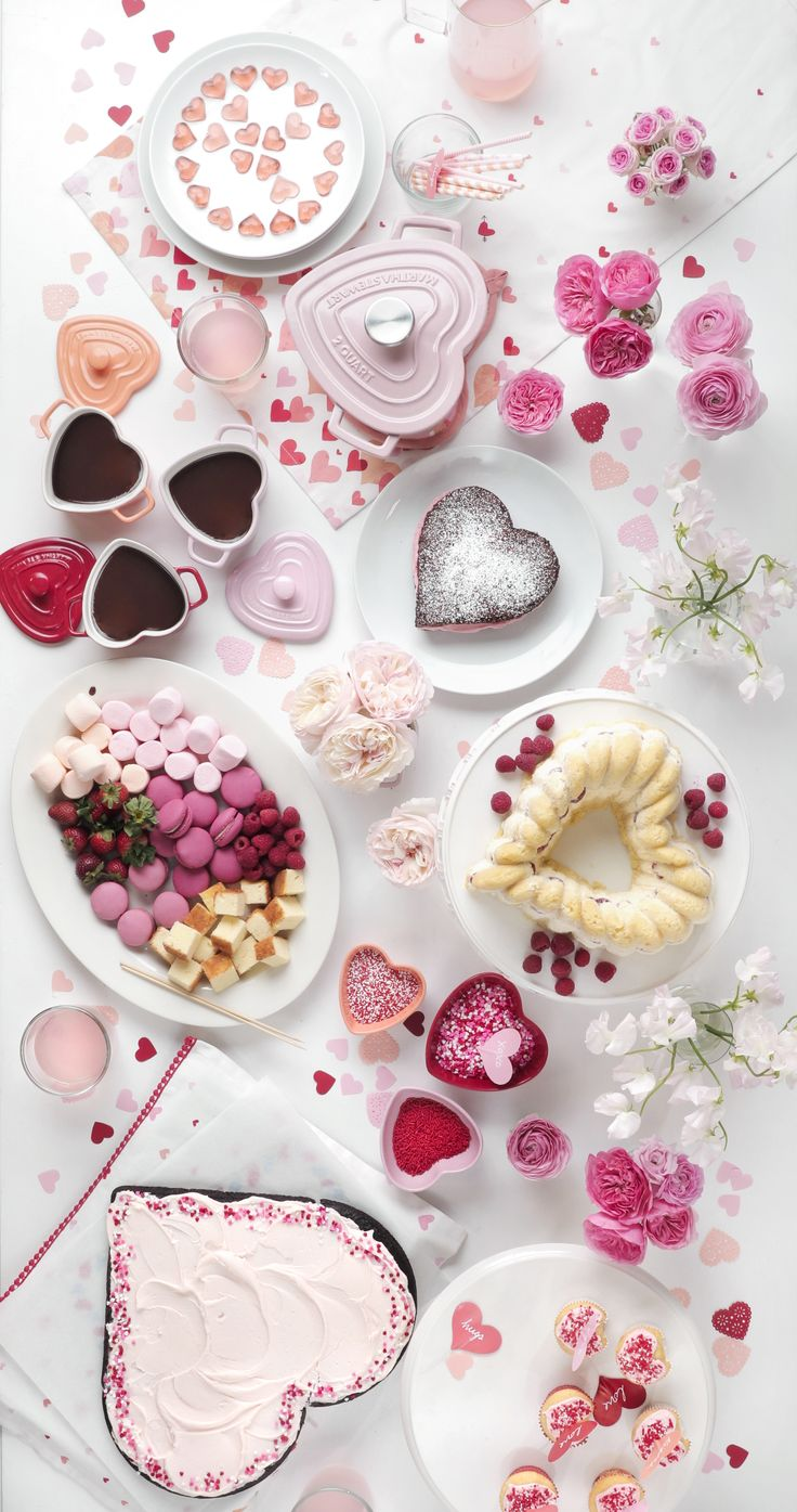The Martha Stewart Collection created for Macy's has everything you need to sweeten up your Valentine's Day celebration! Shop baking tools and enameled cast iron casseroles to cupcake liners and heart-shaped ice cube trays.