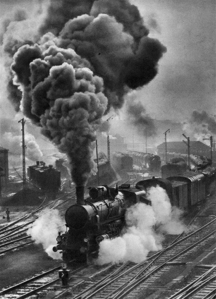 Erno Vadas. Locomotive. c.1948.  [::SemAp::]