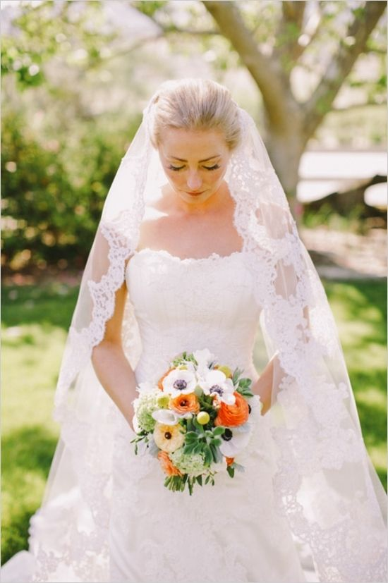 classic lace wedding veil #bride #weddingdress #weddingchicks http://www.weddingchicks.com/2014/03/17/central-coast-summer-wedding/