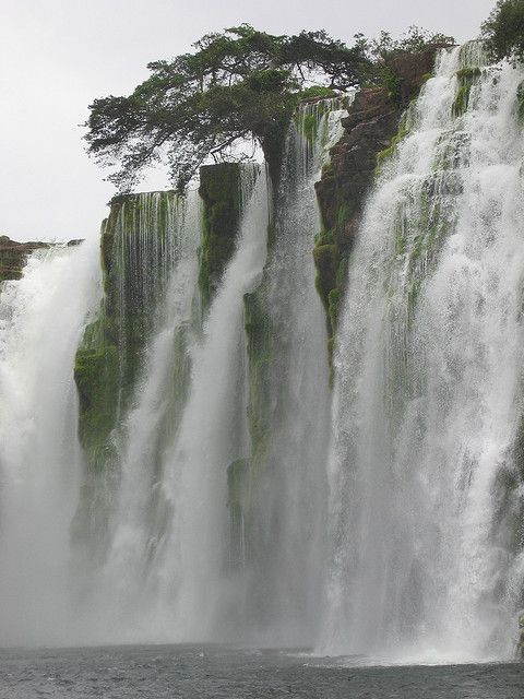 Ahlfeld Waterfall in Noel Kempff Mercado National Park, Bolivia (by estherjulier).