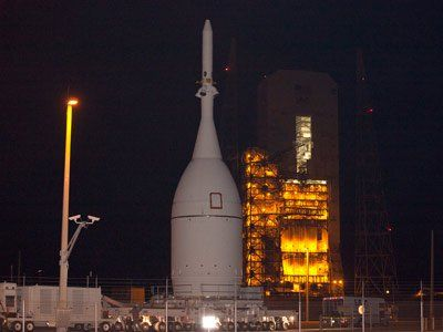NASA's Orion spacecraft arrives at launch pad for tests